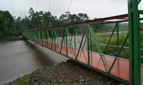 La Municipalidad de Limón realiza mantenimiento de puentes en todo el cantón